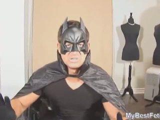 Tickle de superheroine