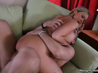 Bigtitted नेबर, abbey brooks
