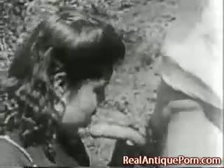 1915 क्रेज़ी आंटीक आउटडोर पॉर्न!