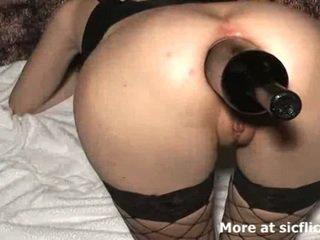 Extremo anal puño y botella follada zorra
