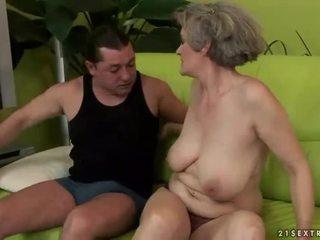 ボインの おばあちゃん enjoys 意地の悪い セックス
