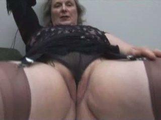 巨乳 奶奶 在 丝袜 shows 离 丰满 骆驼趾