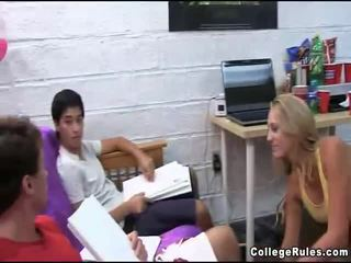 kolegium, teen sex, hardcore sex