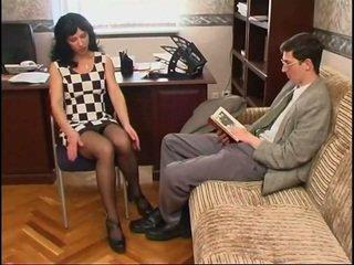 Μακρύς legged ρωσικό μητέρα που θα ήθελα να γαμήσω σε κάλτσα και ένα guy