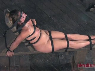 Metsik torturing jaoks seksikas ori