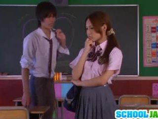 Ázijské školáčka yukina momota