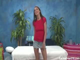 Erin pierre seduced et baisée dur par son massage therapist
