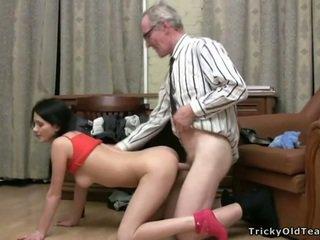 Pounding babes tesné pička