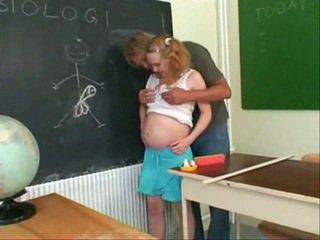 Mang thai thiếu niên quái