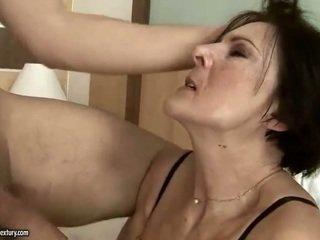 Potrebni old služkinja getting zajebal težko