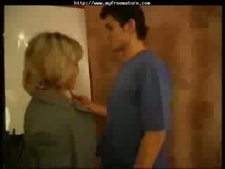 Biologie-lehrerin Zeigt Die Praxis . mature mature porn granny old jizz shots jizz shot