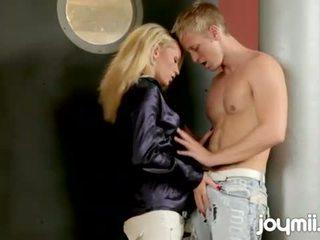 ihanteellinen blondit, kaikki imee kaikki, taide täysi