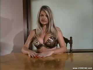 Vicky Vette - Look Whats Up My booty Scene 1