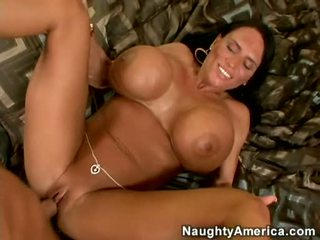 White Girl Gets Fucked Hard And Gets Really Wet