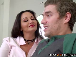 Ava addams shows the правда meaning з being a пантера.