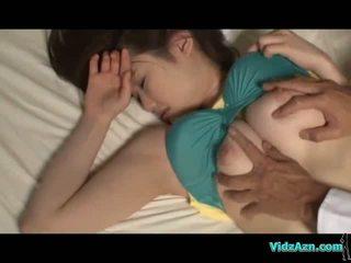 Veliko oprsje punca spanje bradavičke sucked muca licked in zajebal na the mattress v the soba