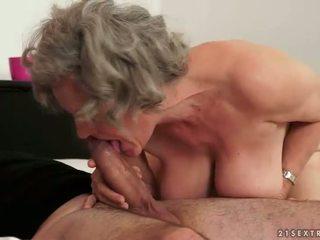 Berpayu dara besar nenek membuat cinta dengan beliau muda boyfried