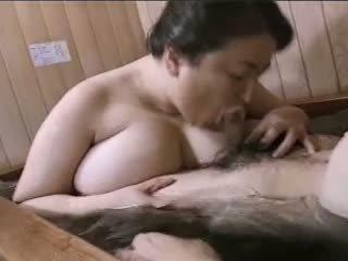 Aasia küpsemad ilusad suured naised mariko pt2 bath (no censorship)