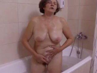 Une belle meglepetés au salle de bain által clessemperor