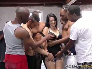 Katrina jade sucks many ireng cocks
