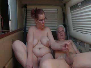 סבתא ו - שלה אדם fucks