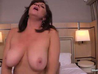пума, големи цици, busty milf, гореща мама