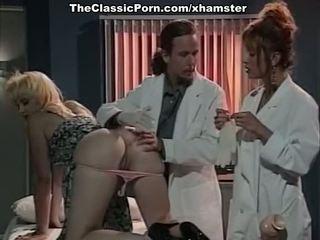 Klasično theespme seks na doctors cabinet