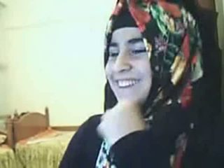 Video - Hijab Girl Showing Ass On Webcam