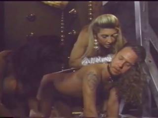 Veliko oprsje ljubica has fun s ji slaves, porno fa