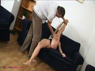 Veliko oprsje contortion najstnice kamasutra