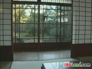 若い 日本語 メイド と 彼女の 古い ボス