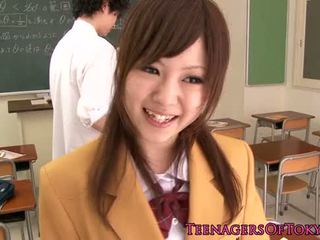 Ultracute japanese schoolgirl sucking dick