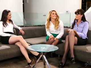lesbian kesenangan, lihat babes kualitas, anda threesome bagus