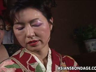 Asia diwasa asu has a rope session to endure: porno f5