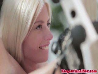 Fleksibel gim babeh jessie volt gets facialized