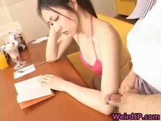 Asiática aluna jovem grávida miúda gets ejaculação na cara part3