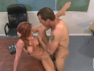 Porno skaistule jadra holly enjoys the steamy karstās jizzload šī skaistule acquires pēc jāšanās grūti