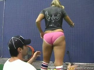 Giant Tited Sporty Pussy Memphis Monroe Handling The Bat Like A Expert