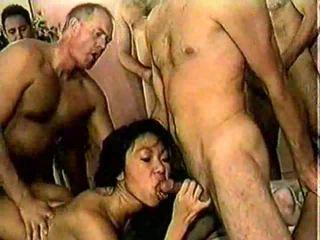 Xxx เอเชีย แก่แล้ว whores ใน heat ได้รับ banged