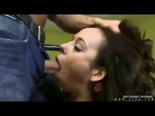 menovitý fajčenie, vidieť big cock menovitý, hlboko v krku
