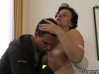 He brings her home to fucks her old pussy