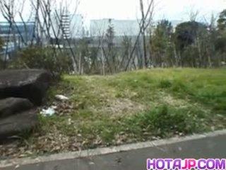 Miyuki hashida sucks boner पर streets