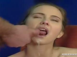 brunetta, deepthroat, doppia penetrazione