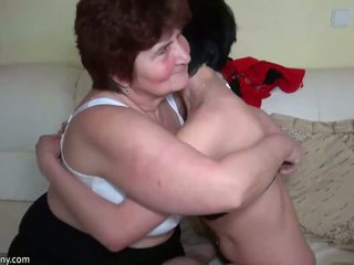 Older women sikiş with younger women and licking