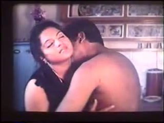 Busty Mallu Aunty: Free Indian Porn Video 5f