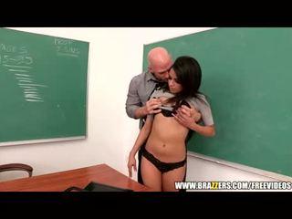 bago brunette, i-tsek oral sex sa turing, malaki squirting