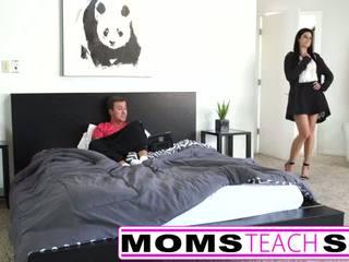 Adolescență în primul rând timp squirting orgasm cu mamă și fiu