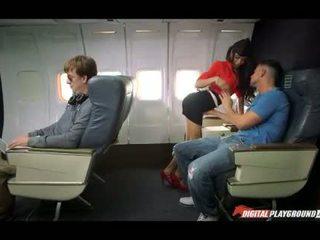 FA Veronica Rodriguez fucked passenger