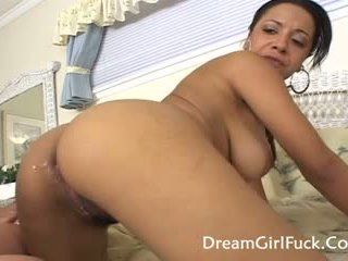 Misti dashuria - i madh cica lesbians gëzojnë licking pidh