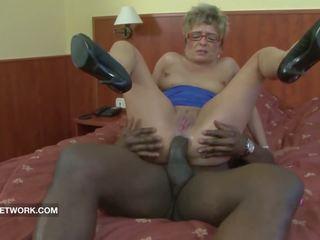 جدة اشتعلت استمناء الشرجي مارس الجنس بواسطة كبير أسود كوك